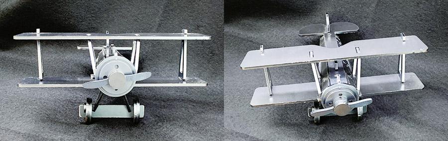 正面からの飛行機の模型